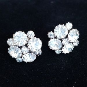 Vintage Jewelry - Vintage Rhinestone Screw Back Earrings EUC